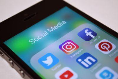 Tips for handling social media in the workplace